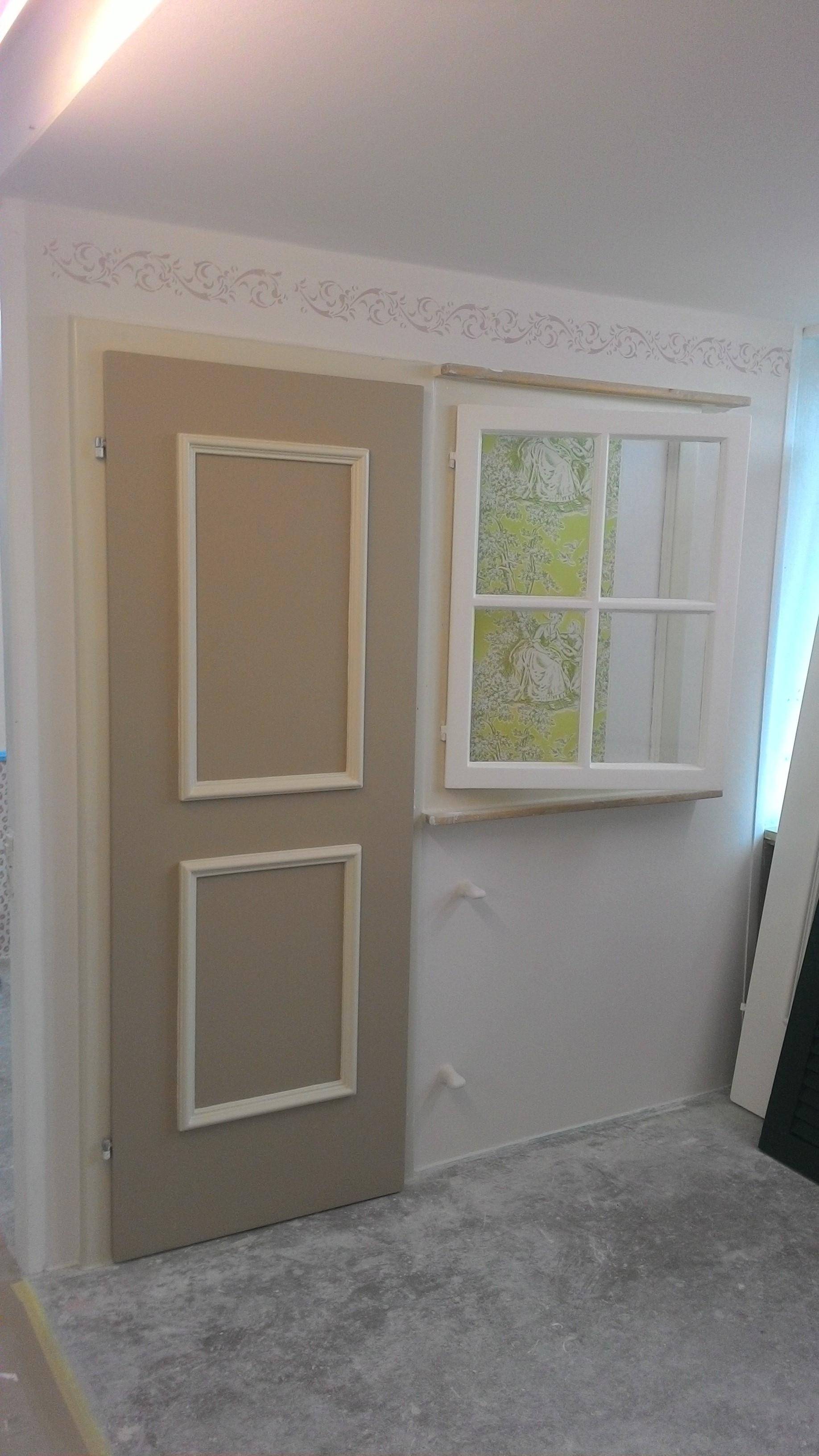 tapezieren fenster finest mit rauhfaser tapezieren with tapezieren fenster simple fr ein. Black Bedroom Furniture Sets. Home Design Ideas